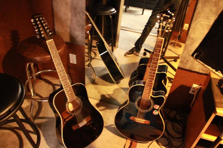 Studio A Guitars web 72